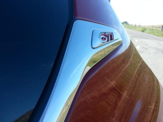 208 GTI emblem