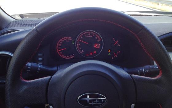Stor varvräknare med infälld hastighetsmätare och shiftligt, tydligare blir det inte!