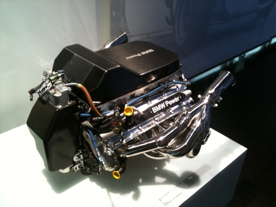 F1 V8